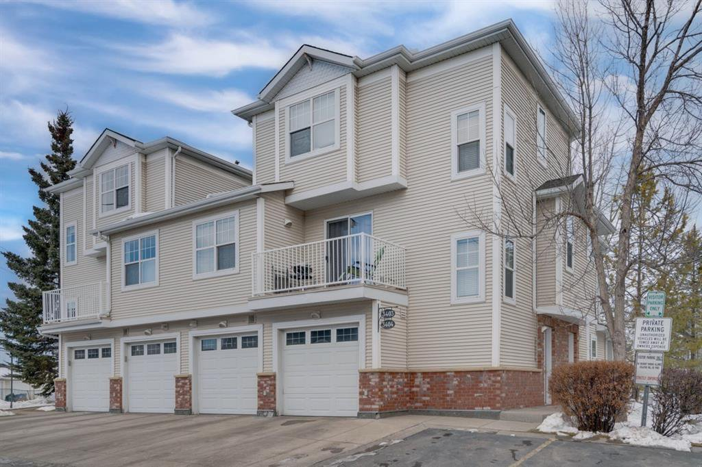 Main Photo: 3403 7171 Coach Hill Road SW in Calgary: Coach Hill Row/Townhouse for sale : MLS®# A1059752