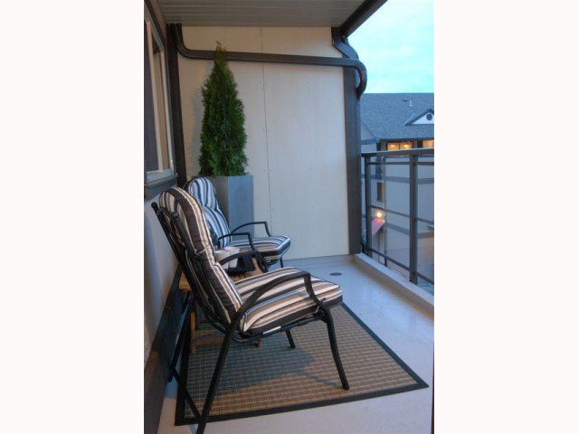 """Photo 10: Photos: D220 4845 53RD Street in Ladner: Hawthorne Condo for sale in """"LADNER POINTE"""" : MLS®# V816796"""