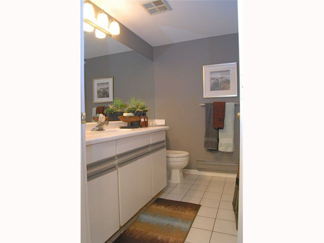 """Photo 9: Photos: D220 4845 53RD Street in Ladner: Hawthorne Condo for sale in """"LADNER POINTE"""" : MLS®# V816796"""