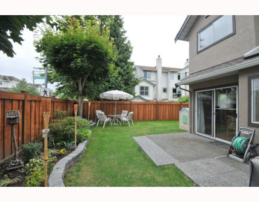 "Main Photo: 13 12438 BRUNSWICK Place in Richmond: Steveston South Townhouse for sale in ""BRUNSWICK GARDEN"" : MLS®# V778607"