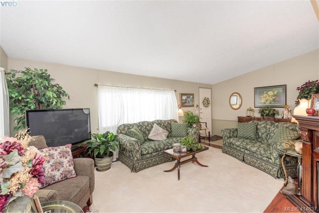 Photo 12: Photos: 9 1536 Middle Road in VICTORIA: VR Glentana Manu Double-Wide for sale (View Royal)  : MLS®# 414637