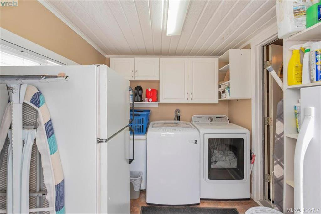 Photo 14: Photos: 9 1536 Middle Road in VICTORIA: VR Glentana Manu Double-Wide for sale (View Royal)  : MLS®# 414637
