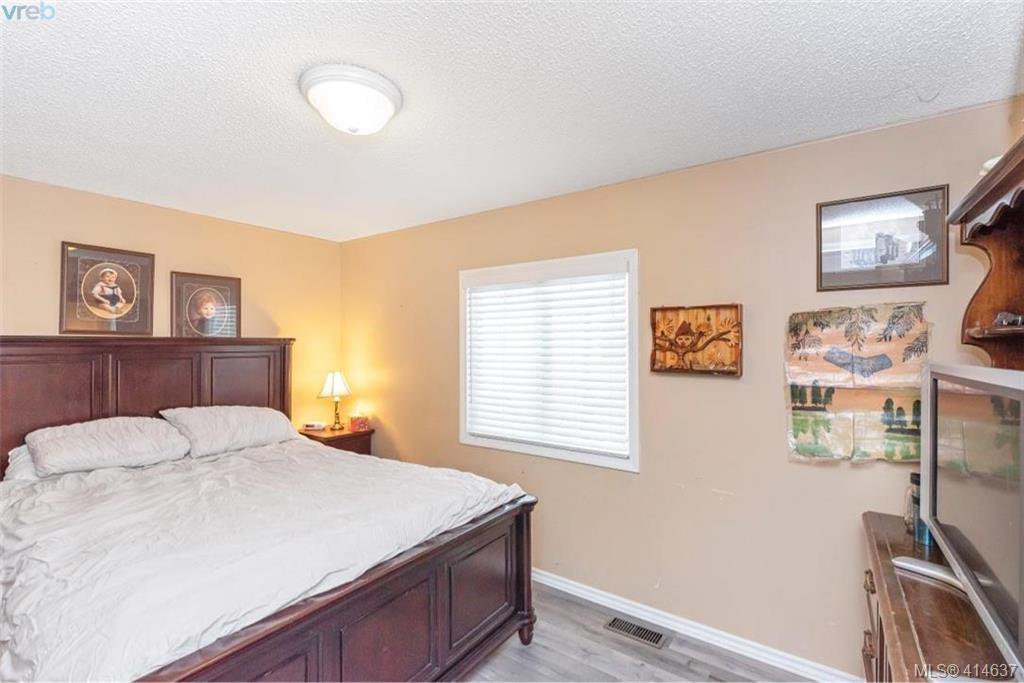 Photo 21: Photos: 9 1536 Middle Road in VICTORIA: VR Glentana Manu Double-Wide for sale (View Royal)  : MLS®# 414637