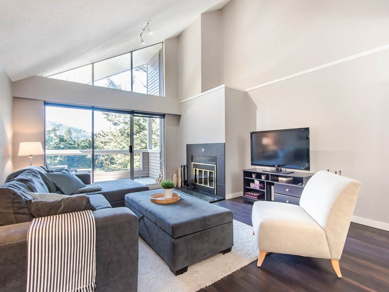 """Main Photo: 307 932 ROBINSON Street in Coquitlam: Coquitlam West Condo for sale in """"The Shaughnessy"""" : MLS®# R2449657"""
