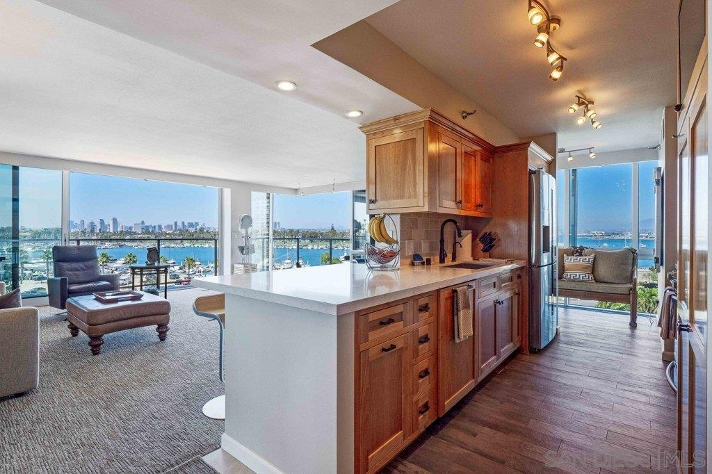 Main Photo: CORONADO SHORES Condo for sale : 2 bedrooms : 1750 Avenida Del Mundo #402 in Coronado