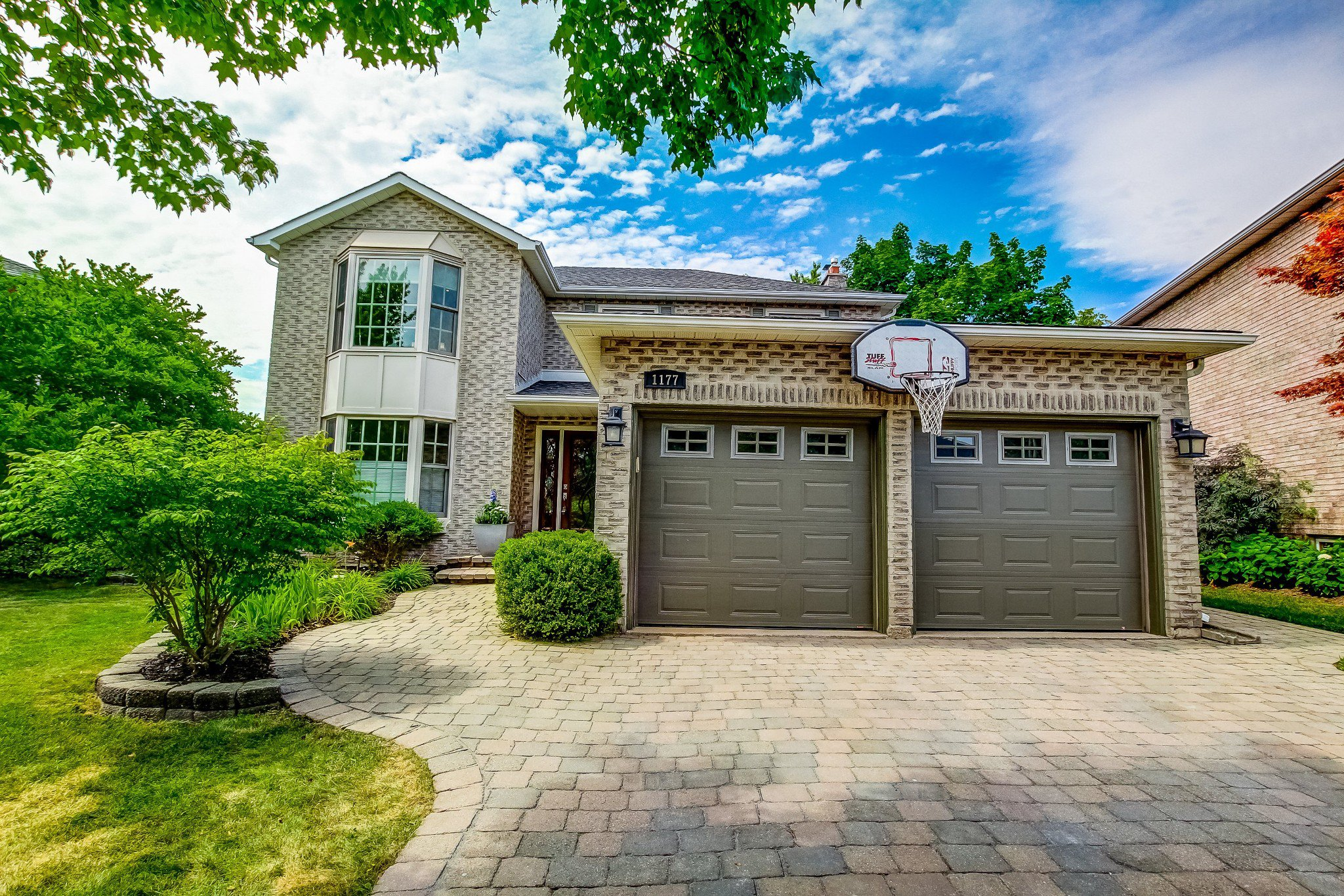 Main Photo: 1177 Ballantry Road in Oakville: Iroquois Ridge North House (2-Storey) for sale : MLS®# W4840274