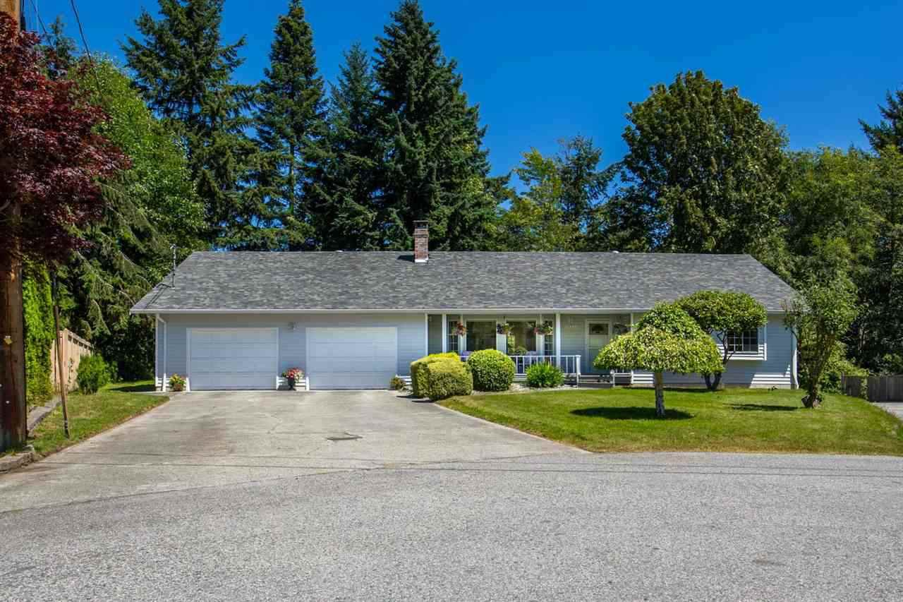 """Main Photo: 1524 CYPRESS Way in Gibsons: Gibsons & Area House for sale in """"WOODCREEK"""" (Sunshine Coast)  : MLS®# R2493228"""