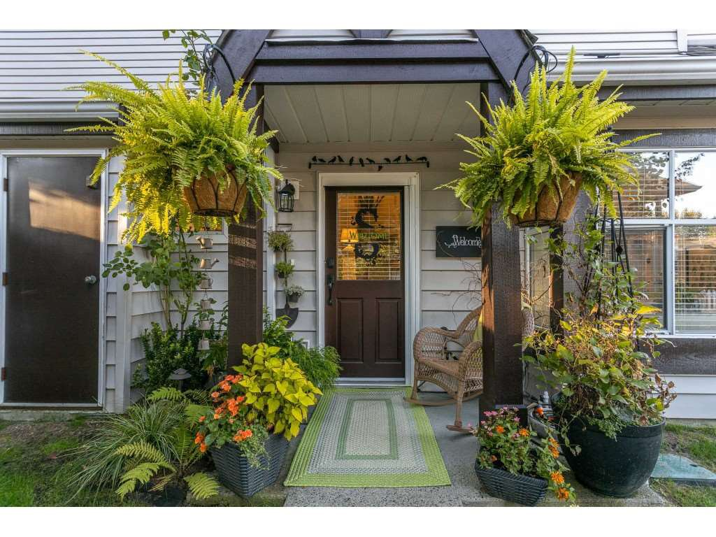 "Main Photo: 75 12099 237 Street in Maple Ridge: East Central Townhouse for sale in ""Gabriola"" : MLS®# R2497025"