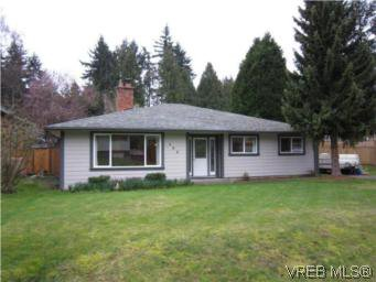 Main Photo: 569 Langholme Dr in VICTORIA: Co Wishart North Single Family Detached for sale (Colwood)  : MLS®# 528948