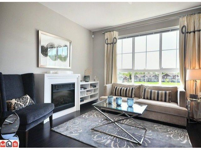"""Photo 5: Photos: 3 19505 68A Avenue in Surrey: Clayton Townhouse for sale in """"CLAYTON RISE"""" (Cloverdale)  : MLS®# F1014111"""