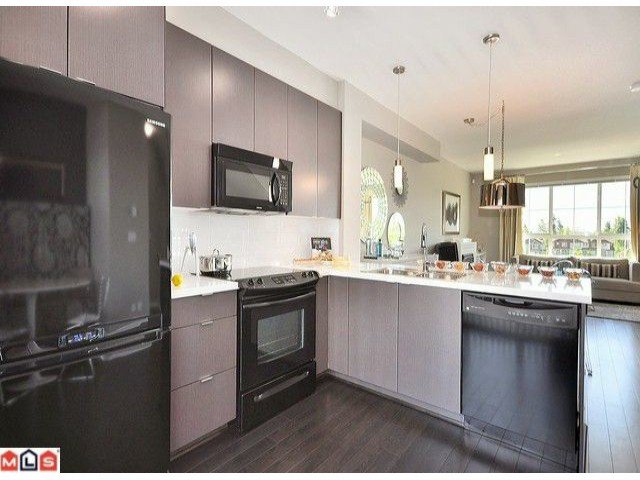 """Photo 2: Photos: 3 19505 68A Avenue in Surrey: Clayton Townhouse for sale in """"CLAYTON RISE"""" (Cloverdale)  : MLS®# F1014111"""