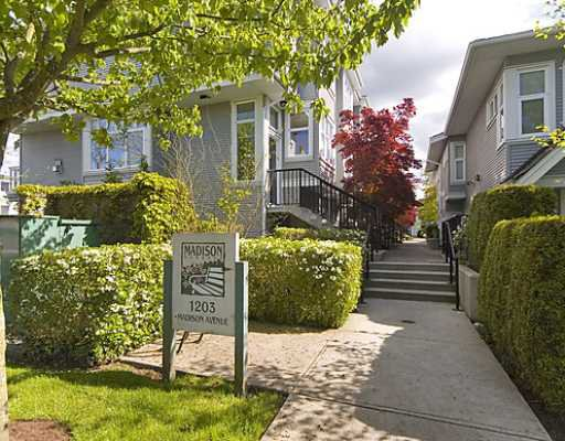 "Main Photo: 18 1203 MADISON Avenue in Burnaby: Willingdon Heights Townhouse for sale in ""MADISON GARDENS"" (Burnaby North)  : MLS®# V768424"