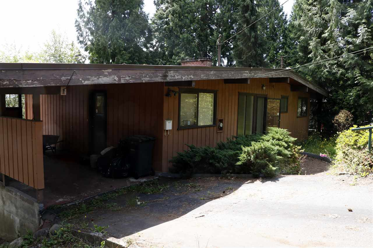 Main Photo: 3019 PASTURE CIRCLE in Coquitlam: Ranch Park House for sale : MLS®# R2381977