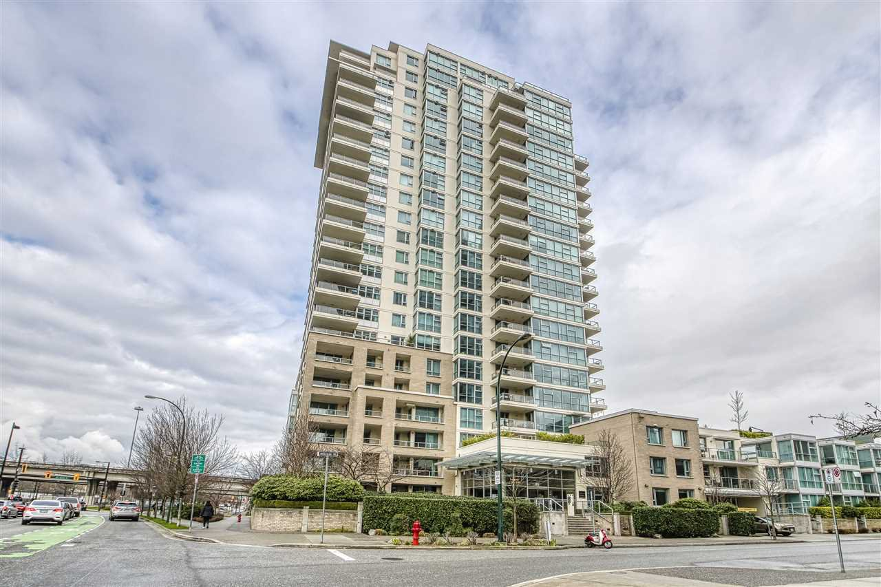 "Main Photo: 1402 125 MILROSS Avenue in Vancouver: Downtown VE Condo for sale in ""CREEKSIDE"" (Vancouver East)  : MLS®# R2436108"