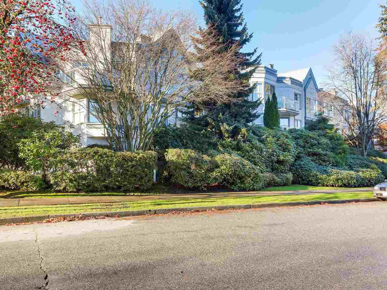Main Photo: 338 5695 CHAFFEY AVENUE in : Central Park BS Condo for sale : MLS®# R2323176