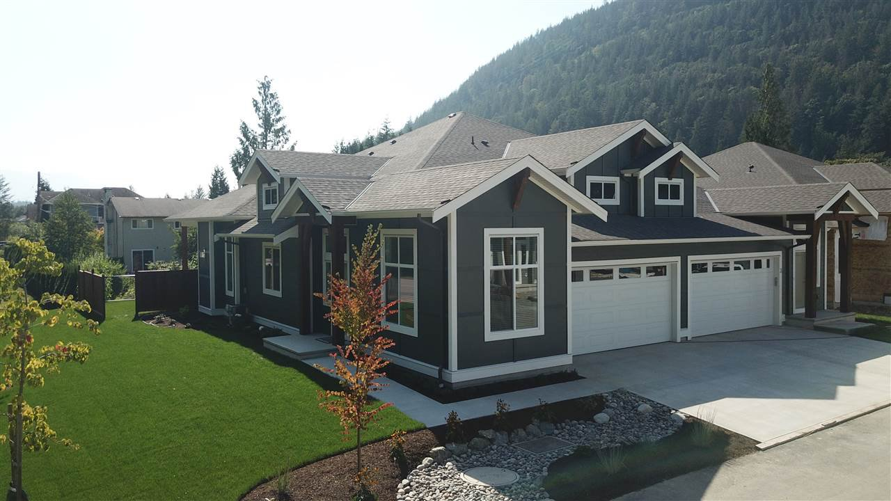"""Main Photo: 22 628 MCCOMBS Drive: Harrison Hot Springs 1/2 Duplex for sale in """"EMERSON COVE"""" : MLS®# R2507203"""