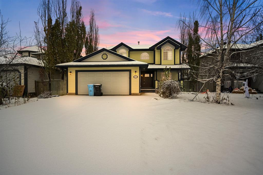 Gorgeous 2,078 sqft executive-style home with double attached garage and located in Timberlea.