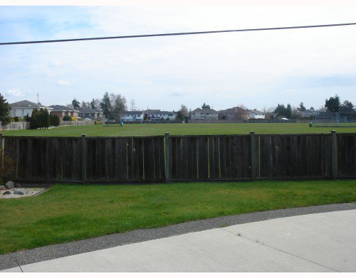 Photo 10: Photos: 5291 CALDERWOOD Crescent in Richmond: Lackner House for sale : MLS®# V761277