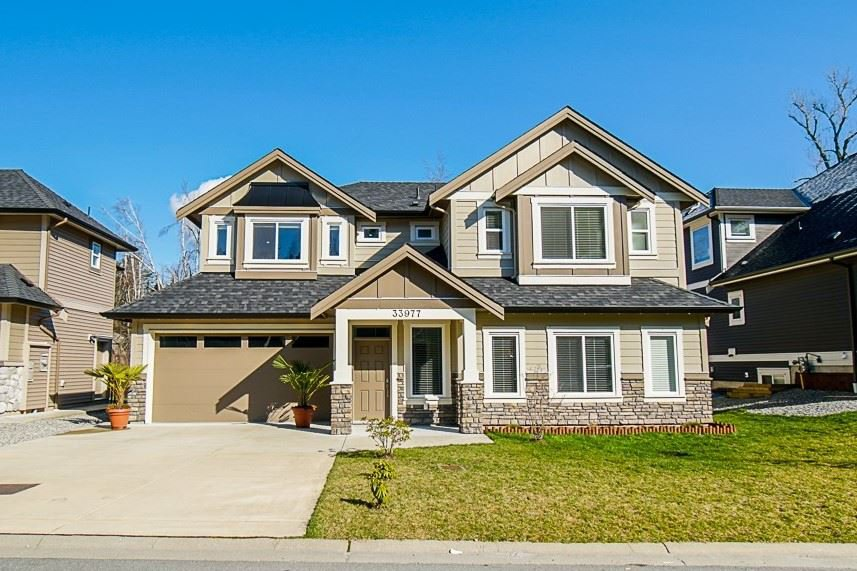 Main Photo: 33977 MCPHEE Place in Mission: Mission BC House for sale : MLS®# R2443400