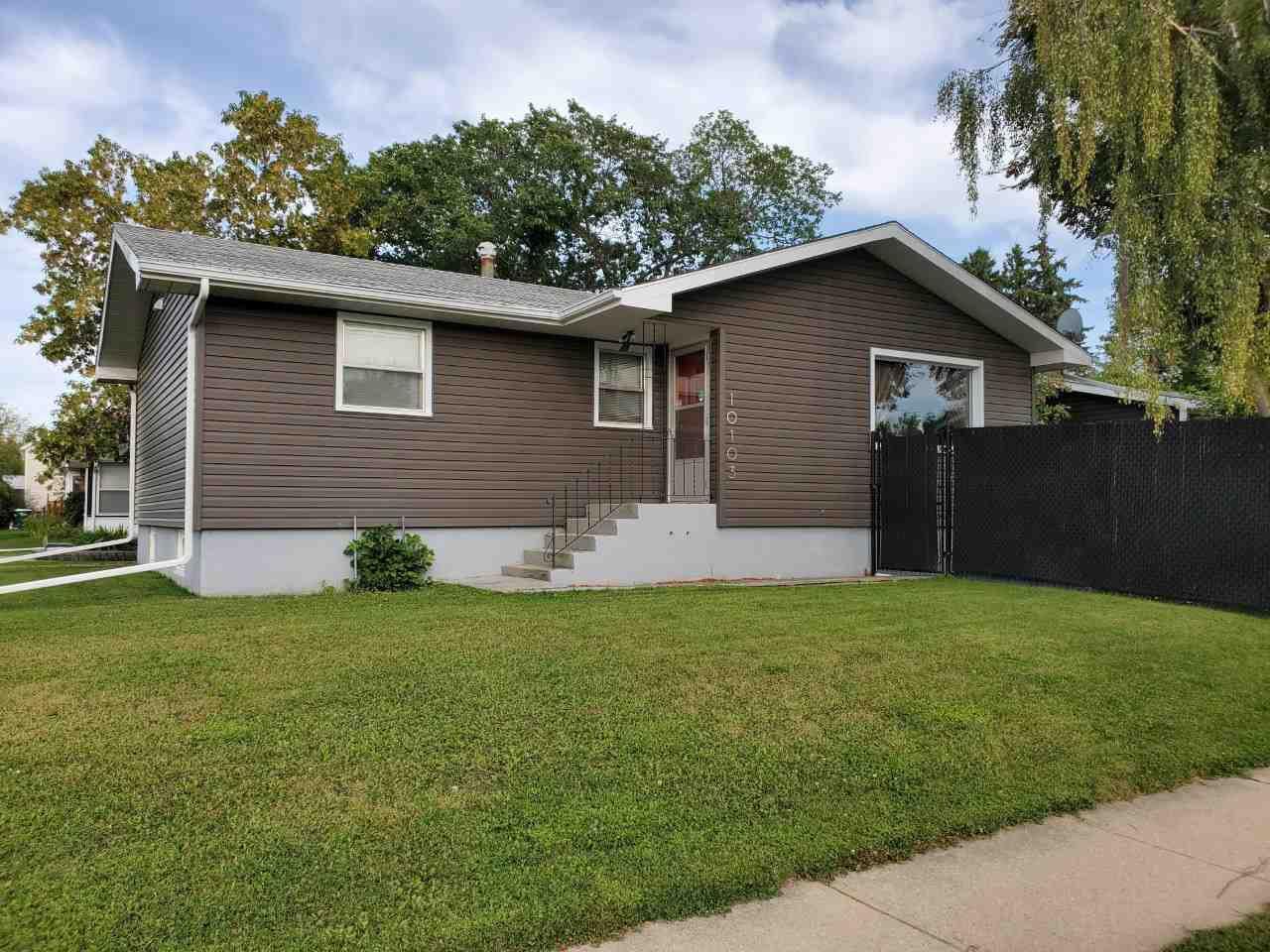 Main Photo: 10103 106 Street: Westlock House for sale : MLS®# E4212275