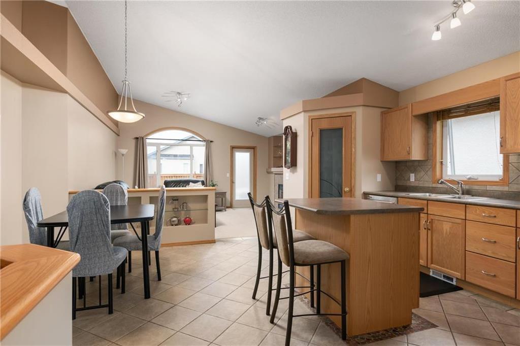 Photo 4: Photos: 182 Fulton Street in Winnipeg: Residential for sale (2F)  : MLS®# 202025501