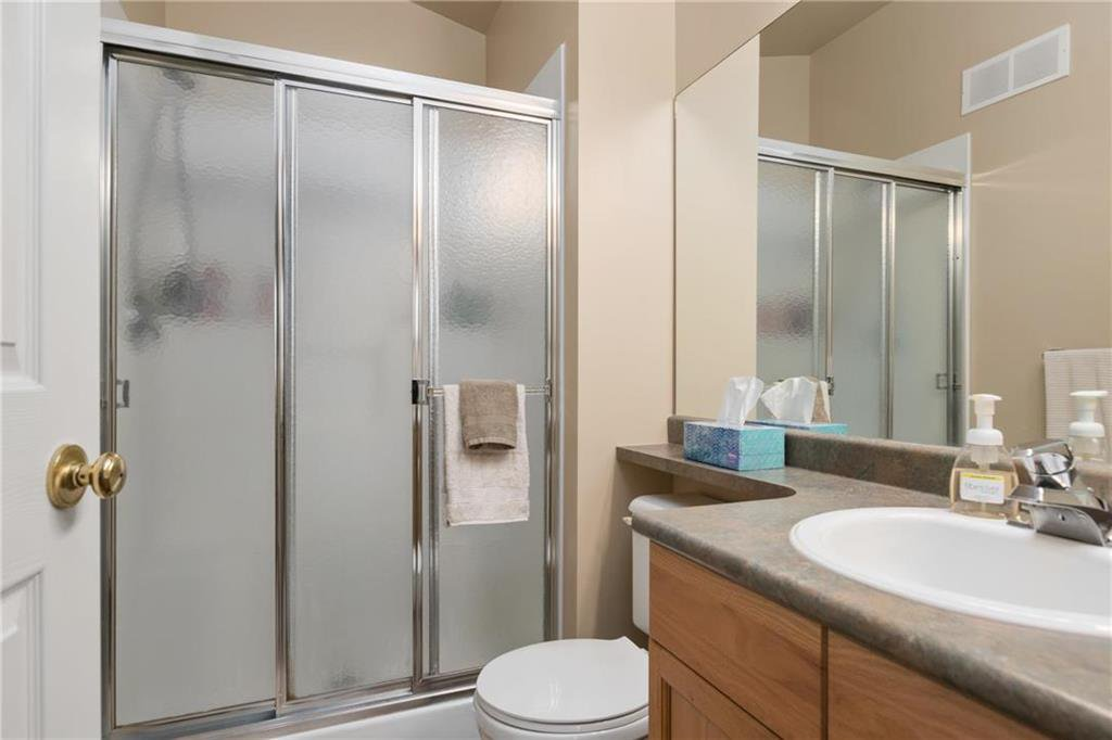 Photo 10: Photos: 182 Fulton Street in Winnipeg: Residential for sale (2F)  : MLS®# 202025501
