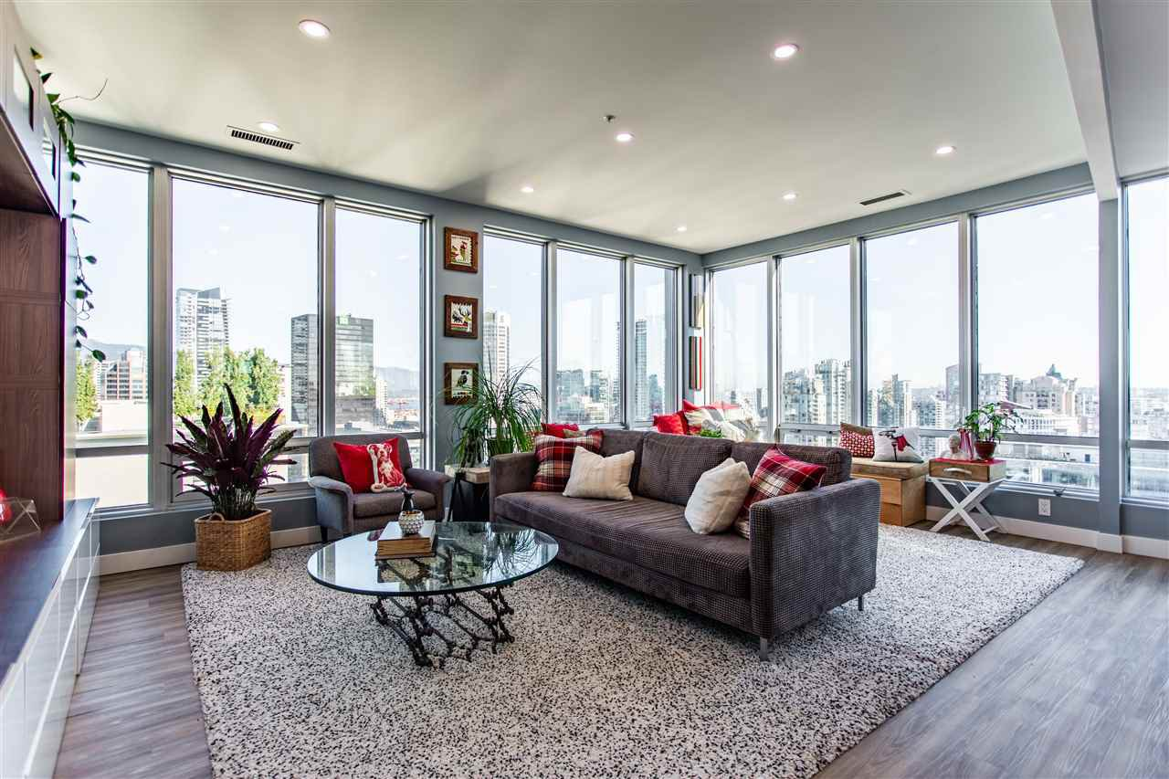 """Main Photo: 1811 989 NELSON Street in Vancouver: Downtown VW Condo for sale in """"ELECTRA"""" (Vancouver West)  : MLS®# R2513280"""
