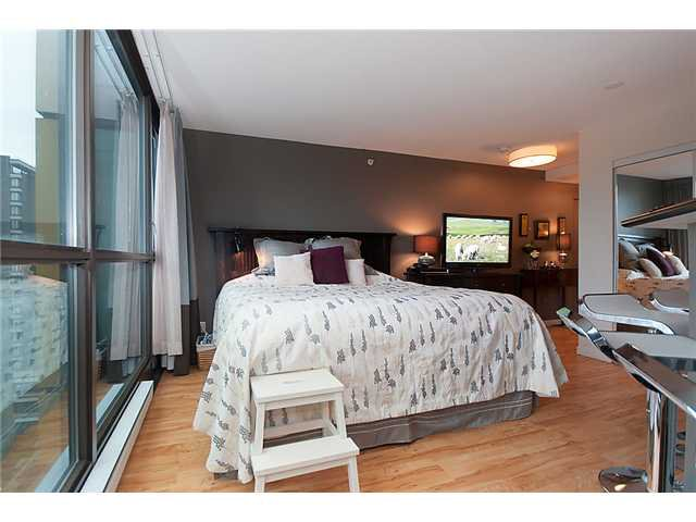 """Photo 4: Photos: 1205 1367 ALBERNI Street in Vancouver: West End VW Condo  in """"THE LIONS"""" (Vancouver West)  : MLS®# V858964"""