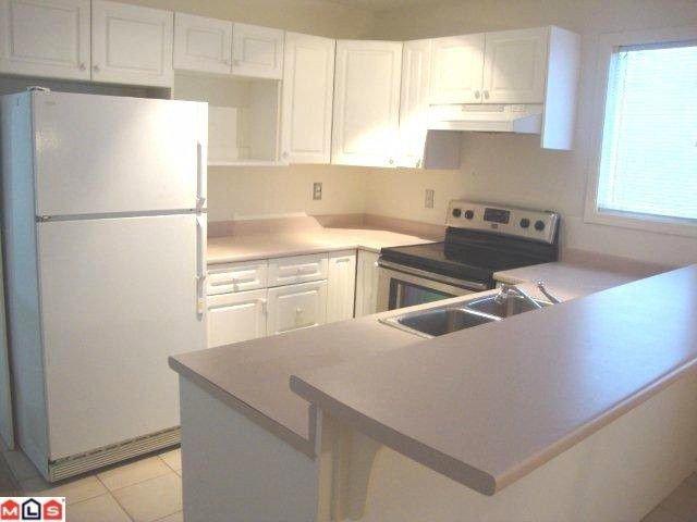 "Photo 4: Photos: 859 HABGOOD Street: White Rock House 1/2 Duplex for sale in ""EAST BEACH AREA"" (South Surrey White Rock)  : MLS®# F1028235"