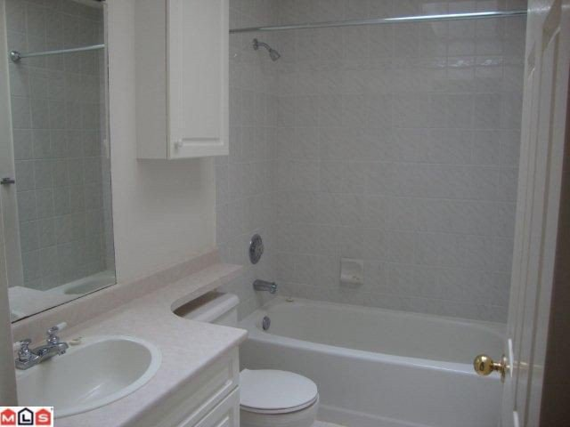 "Photo 8: Photos: 859 HABGOOD Street: White Rock House 1/2 Duplex for sale in ""EAST BEACH AREA"" (South Surrey White Rock)  : MLS®# F1028235"