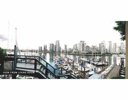 Main Photo: 201 609 STAMPS LANDING BB in Vancouver: False Creek Townhouse for sale (Vancouver West)  : MLS®# V540102