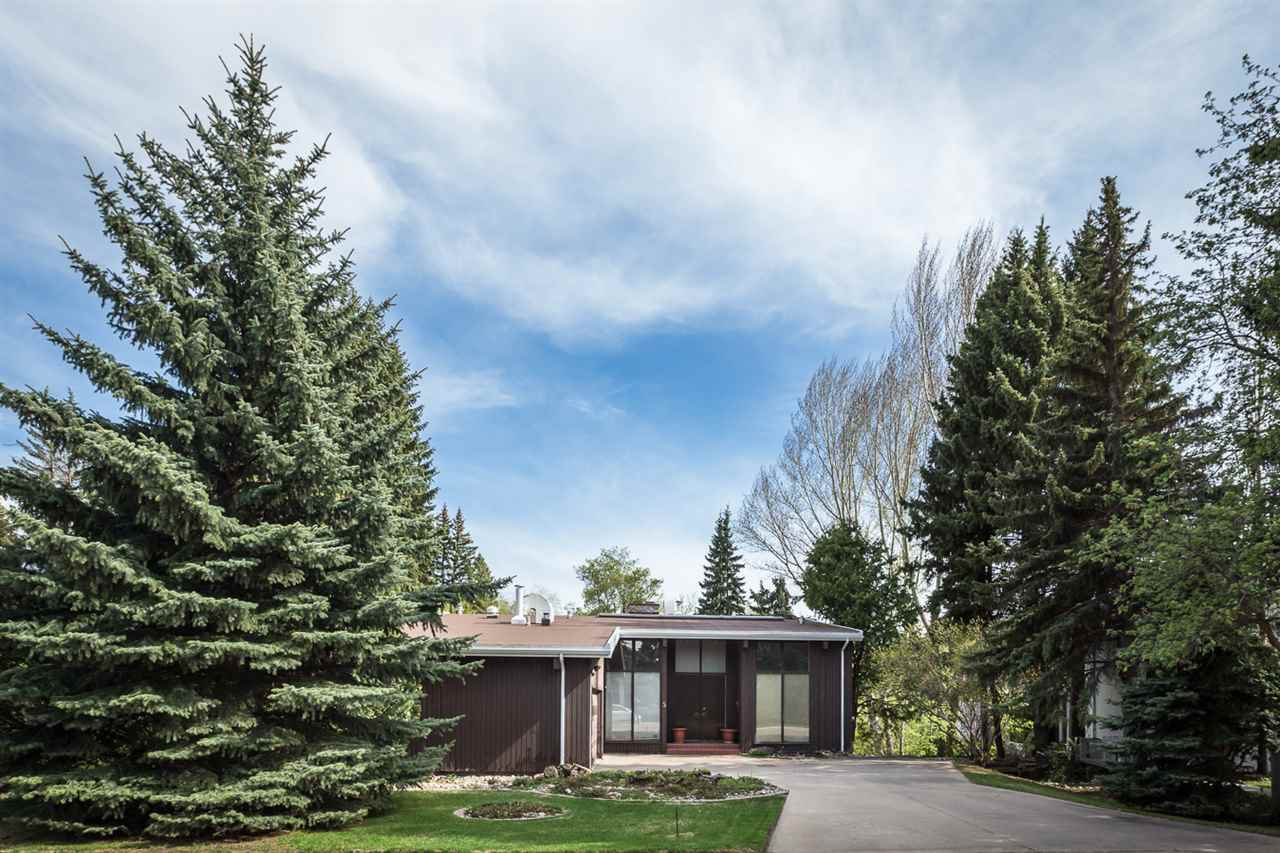 Main Photo: 5 VALLEYVIEW Crescent in Edmonton: Zone 10 House for sale : MLS®# E4165480