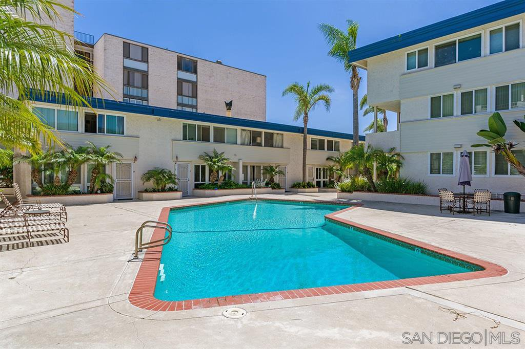 Main Photo: PACIFIC BEACH Condo for sale : 2 bedrooms : 3920 Riviera Dr #S in San Diego