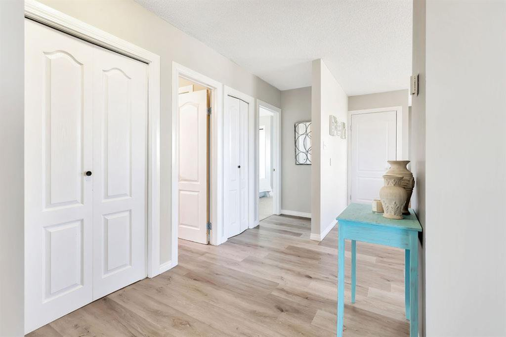 Photo 8: Photos: 105 Brooks Street: Aldersyde Detached for sale : MLS®# A1021637