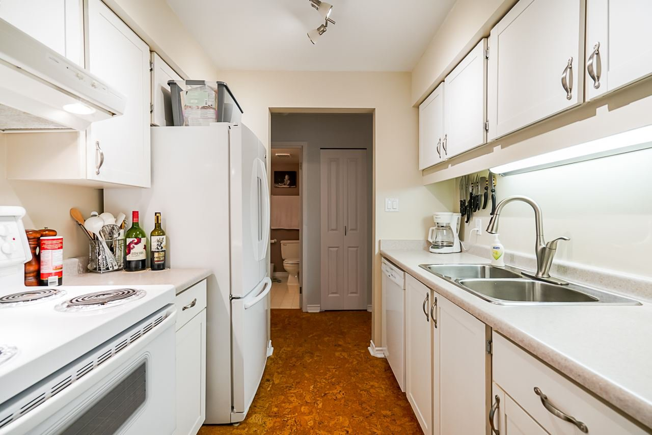"""Main Photo: 403 385 GINGER Drive in New Westminster: Fraserview NW Condo for sale in """"Fraser Mews"""" : MLS®# R2525909"""