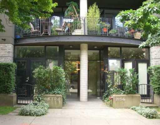 "Main Photo: 18 2156 W 12TH Avenue in Vancouver: Kitsilano Condo for sale in ""THE METRO"" (Vancouver West)  : MLS®# V765309"