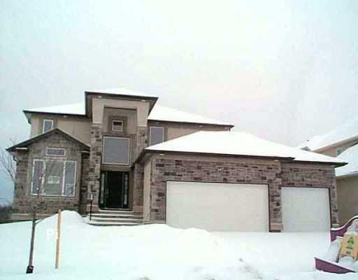 Main Photo: 89 WESTWATER Drive in WINNIPEG: Windsor Park / Southdale / Island Lakes Single Family Detached for sale (South East Winnipeg)  : MLS®# 2510138