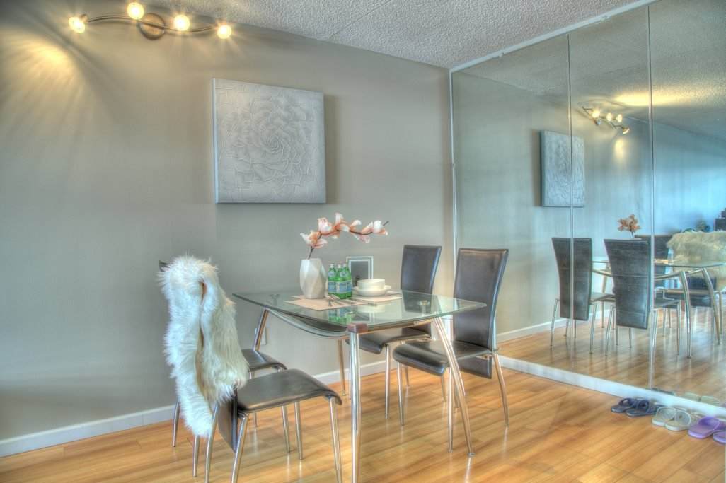 """Main Photo: 1501 4194 MAYWOOD Street in Burnaby: Metrotown Condo for sale in """"PARK AVE TOWERS-TOWER II"""" (Burnaby South)  : MLS®# R2396841"""