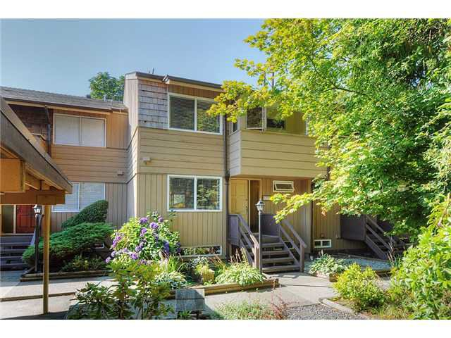 Main Photo: 1273 EMERY PL, Lynn Valley, North Vancouver, BC, V7J 1R2 in North Vancouver: Lynn Valley Residential Attached for sale : MLS®# V846333