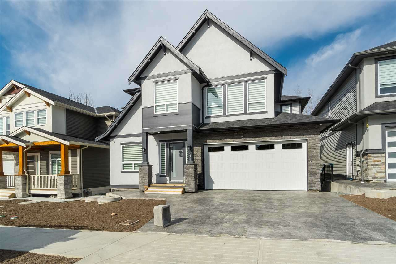 "Main Photo: 4429 EMILY CARR Place in Abbotsford: Abbotsford East House for sale in ""Auguston"" : MLS®# R2447896"