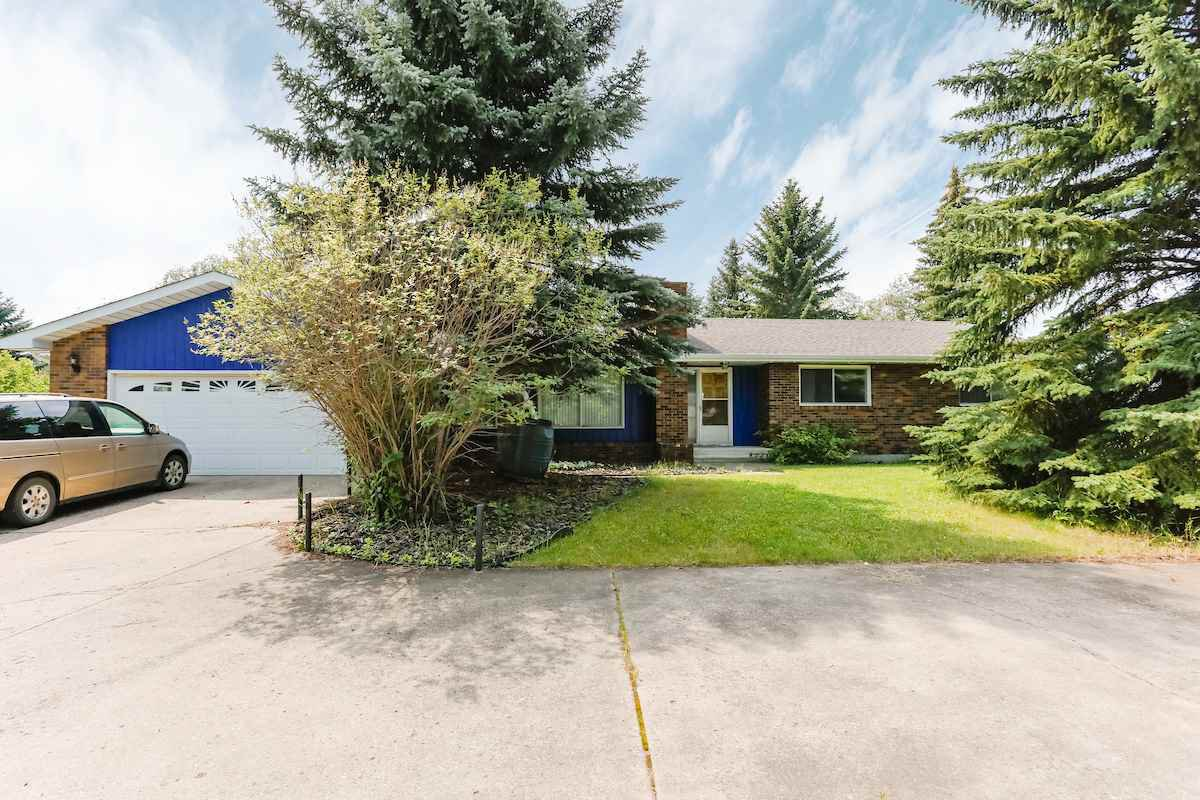 Main Photo: 97 Hillsdale: Rural Strathcona County House for sale : MLS®# E4207254