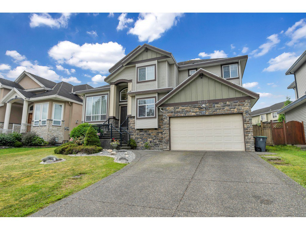 Main Photo: 16110 90 Avenue in Surrey: Fleetwood Tynehead House for sale : MLS®# R2491624