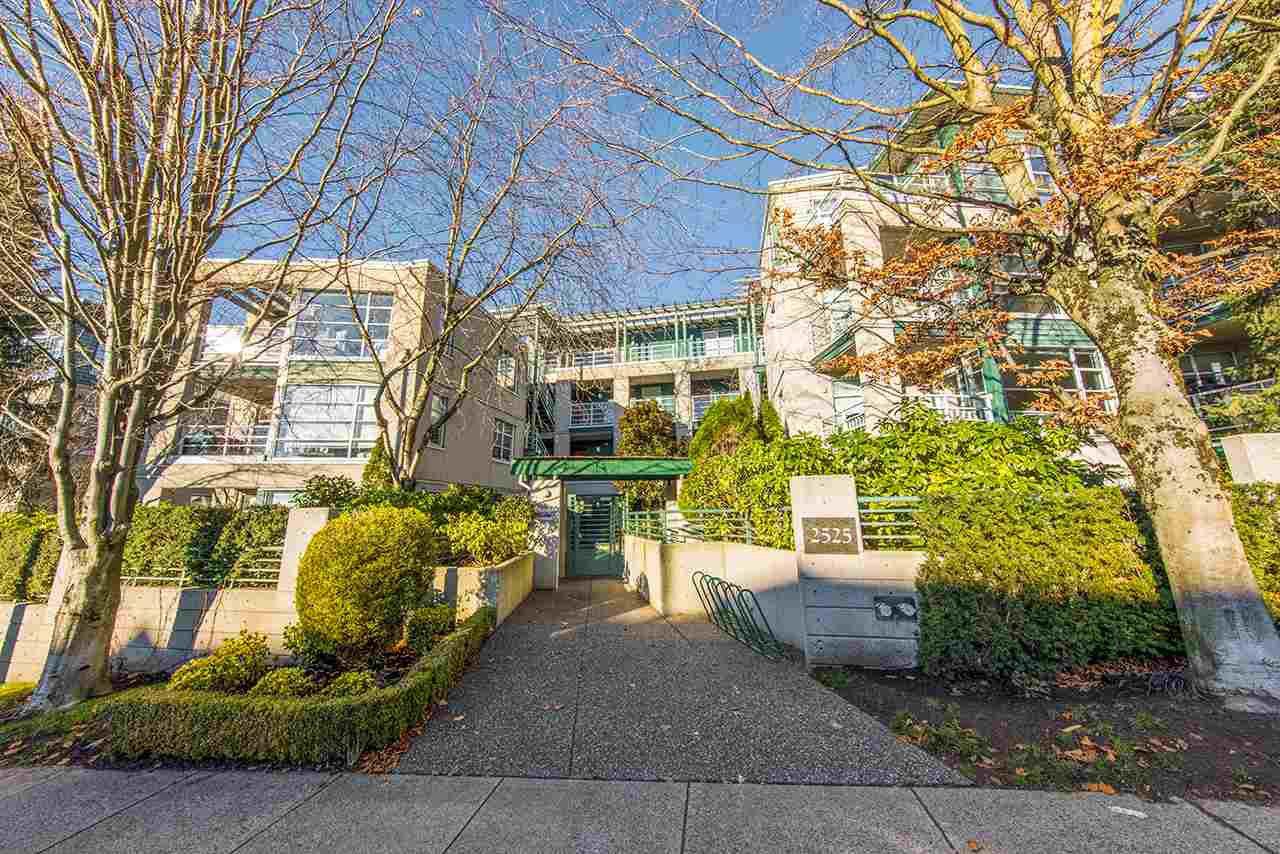 Main Photo: 206 2525 W 4TH Avenue in Vancouver: Kitsilano Condo for sale (Vancouver West)  : MLS®# R2522246