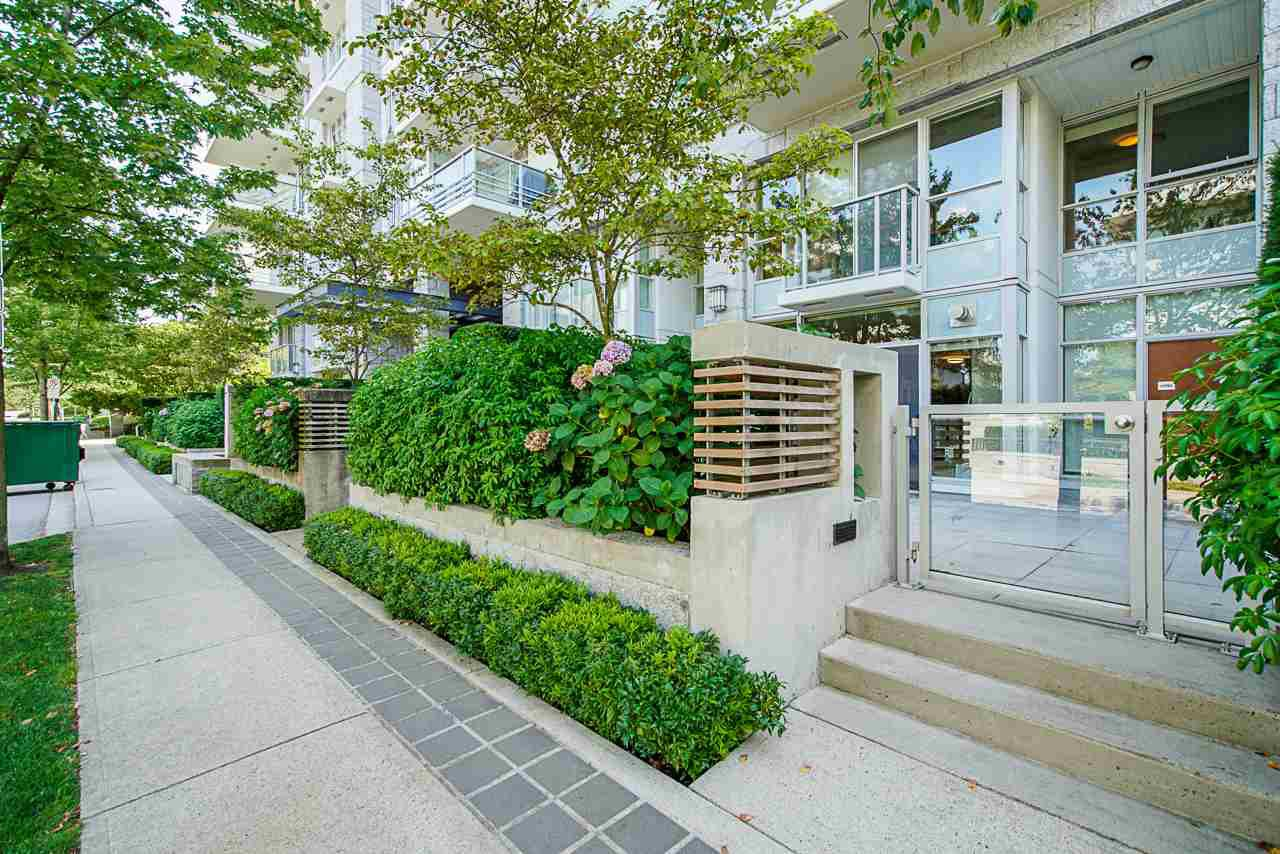 Main Photo: 6086 IONA DRIVE in Vancouver: University VW Townhouse for sale (Vancouver West)  : MLS®# R2424752