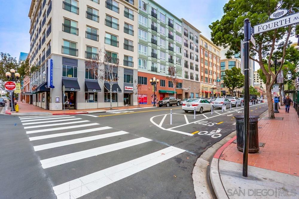 Main Photo: DOWNTOWN Condo for sale : 1 bedrooms : 450 J St #719 in San Diego