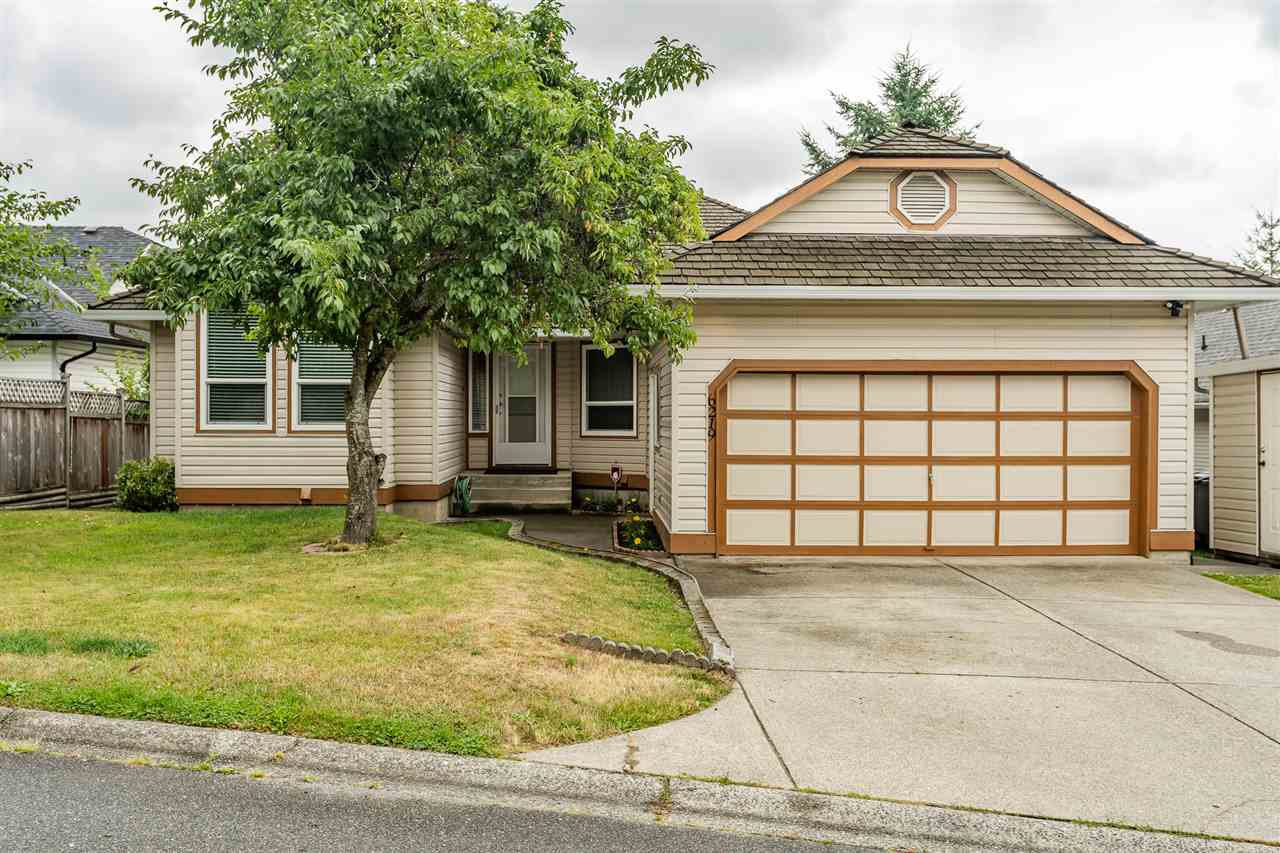 Main Photo: 6219 192 Street in Surrey: Cloverdale BC House for sale (Cloverdale)  : MLS®# R2388861