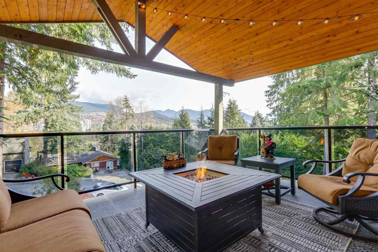 Main Photo: 3341 VIEWMOUNT Drive in Port Moody: Port Moody Centre House for sale : MLS®# R2416193