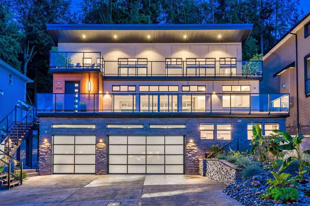 Main Photo: 25588 GODWIN Drive in Maple Ridge: Whonnock House for sale : MLS®# R2462819