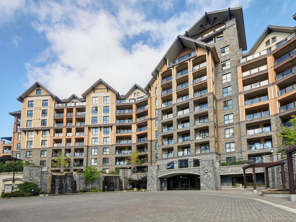 Main Photo: 102 1400 Lynburne Pl in Langford: La Bear Mountain Condo for sale : MLS®# 840131