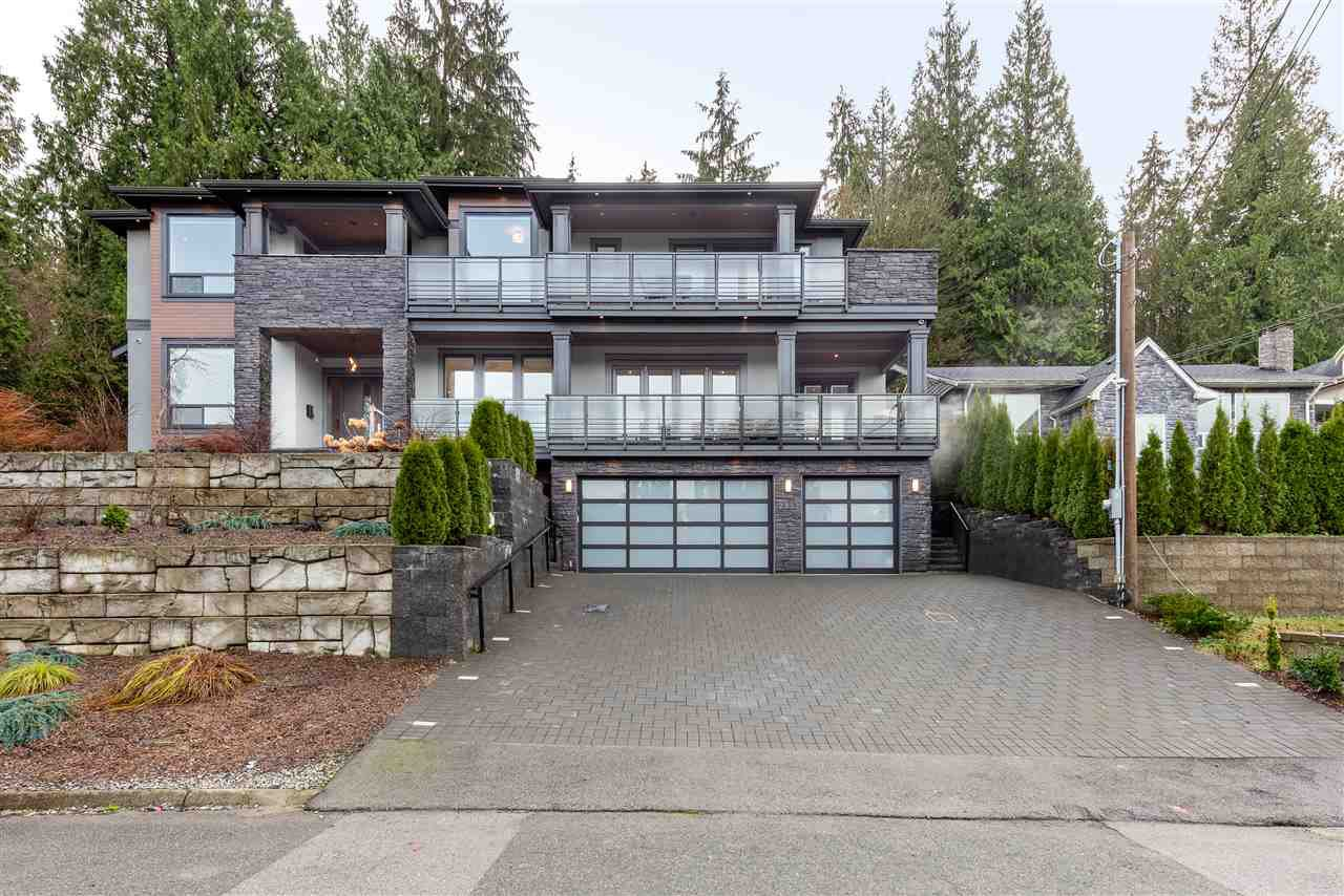 Main Photo: 2333 HENRY Street in Port Moody: Port Moody Centre House for sale : MLS®# R2528132